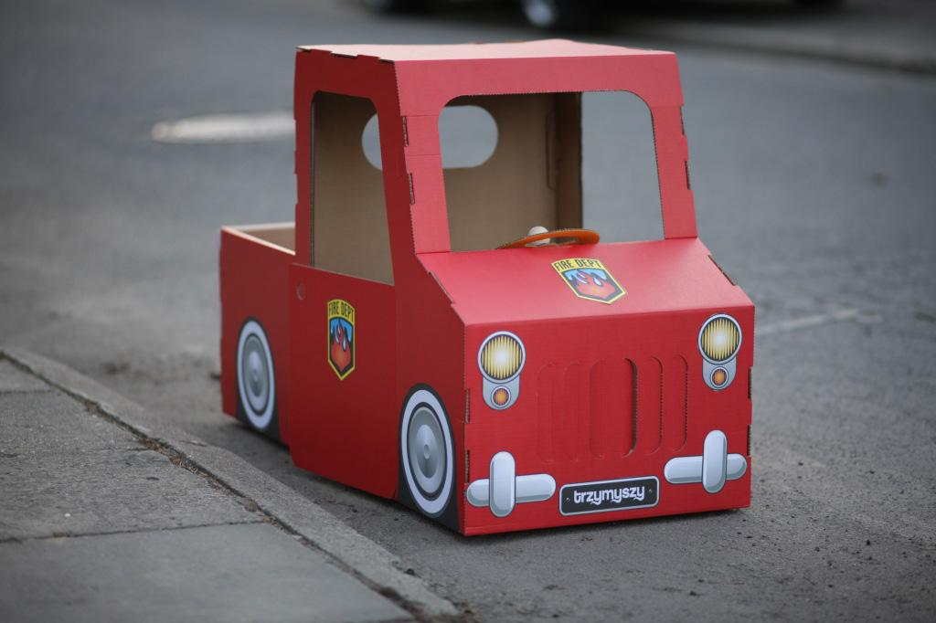 Как сделать из картона машину своими руками видео