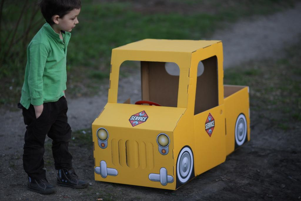 Zabawki z kartonu trzymyszy.pl